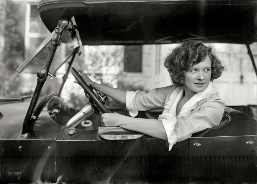New York circa 1921. Stage actress Marilyn Miller in the driver's seat.