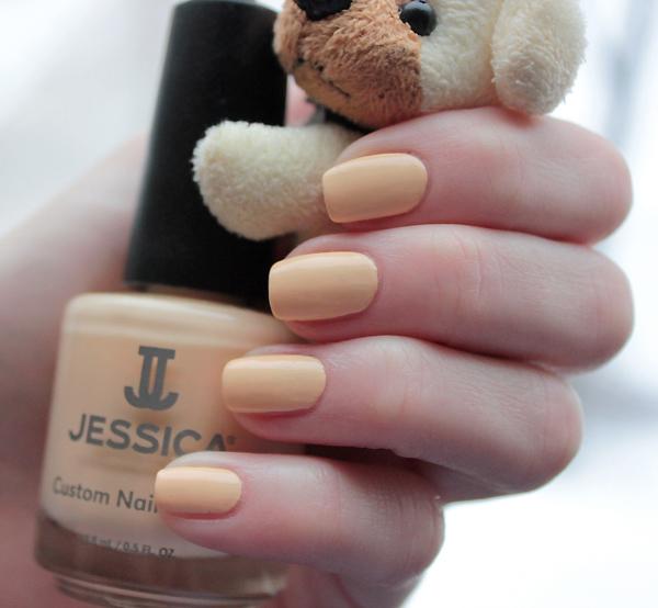 jessica - banana peel 03