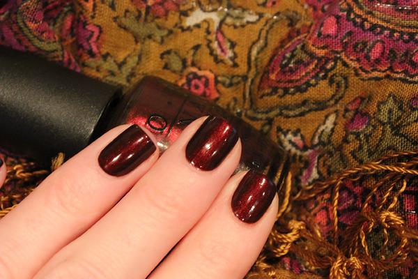 OPI royal rajah ruby 15