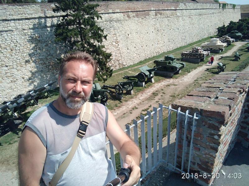 Выставка бронетехники в Белградской крепости около военного музея