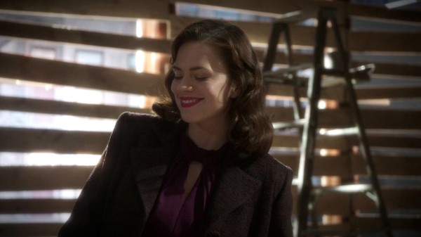 1x08-Peggy-squee