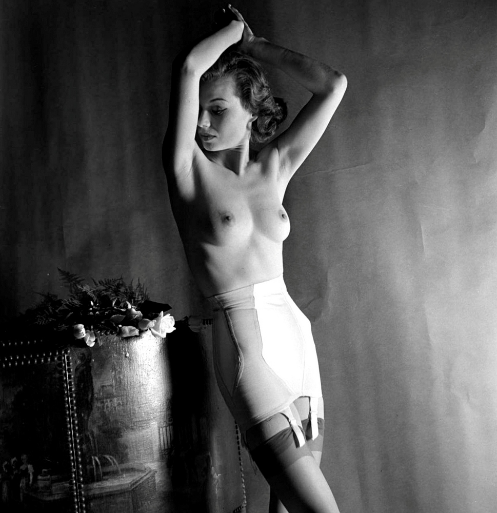 alba-nude-photos-of-lorain-brocca-lyrics-vague-free