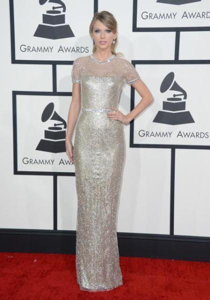 А кутюр уже на выгуле!!!!! Grammy Awards 2014 13cbLn.St.56