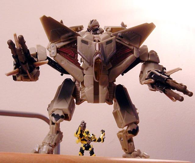 Starscream, the giant fucking jetrobot machine who will kill you.