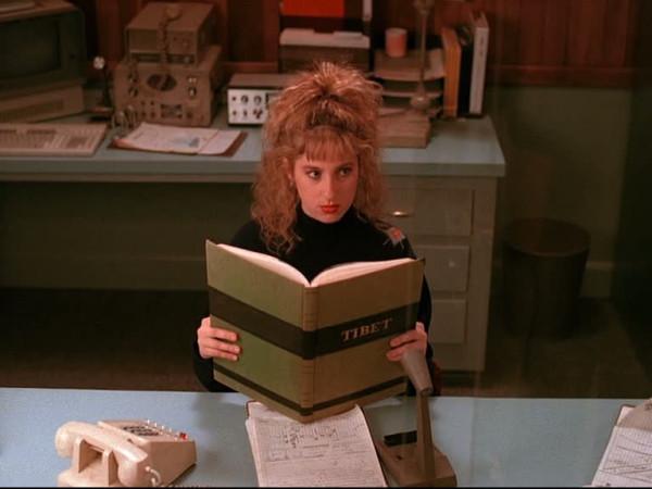 Kimmy Robertson (Lucy Moran) reading a Tibet Book (www.TwinPeaks.tv)