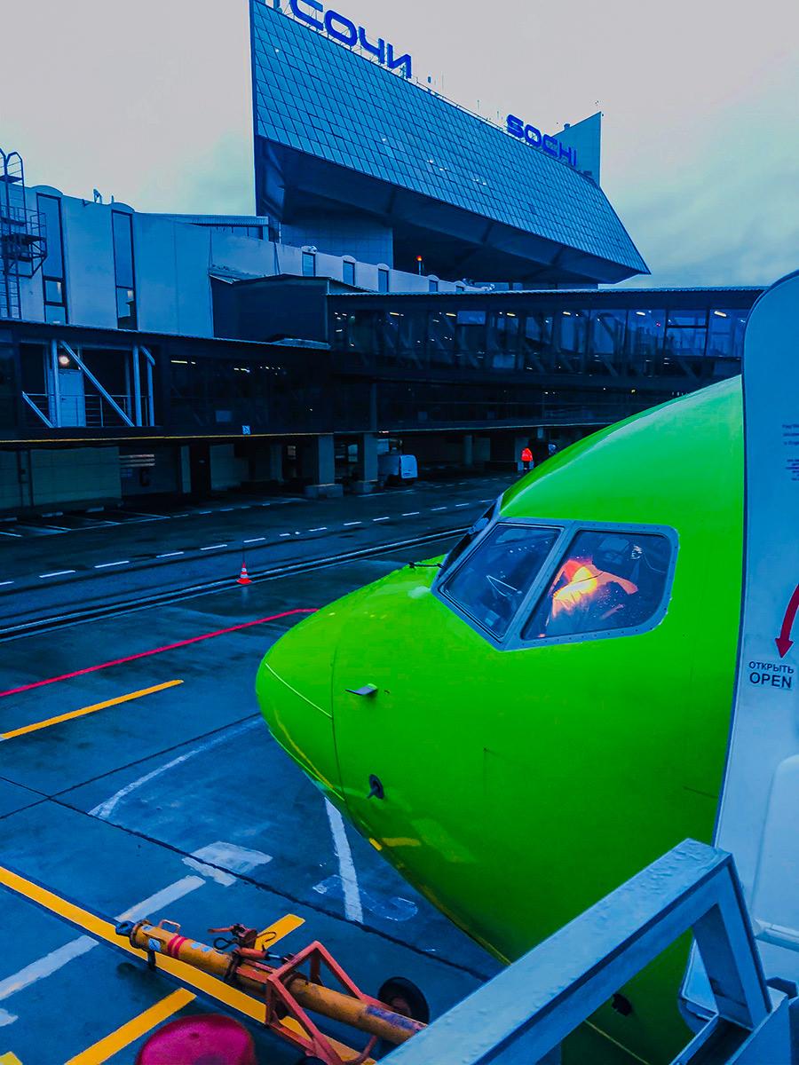 На входе в Боинг 737-800 от S7. Начало пути.