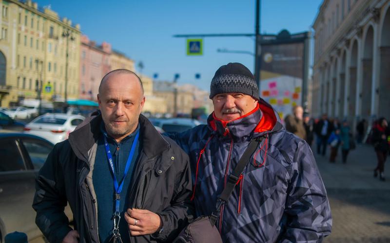 Я с Сашей Чернобельским. Дайвинструктором КМАС и жителем этого города.