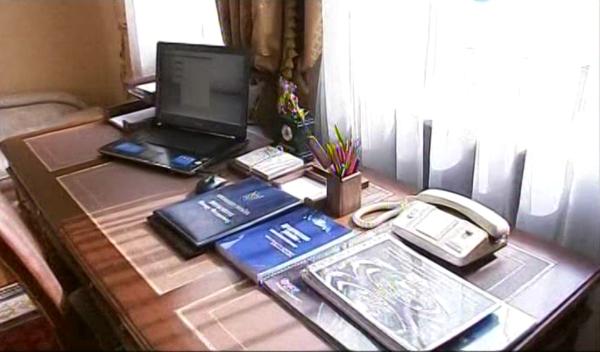 Один день из жизни В. Ф. Януковича в картинках :) 00083qyg