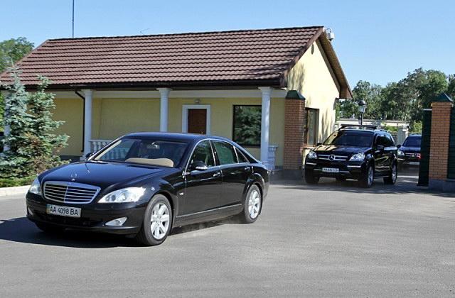Один день из жизни В. Ф. Януковича в картинках :) 00086bhp