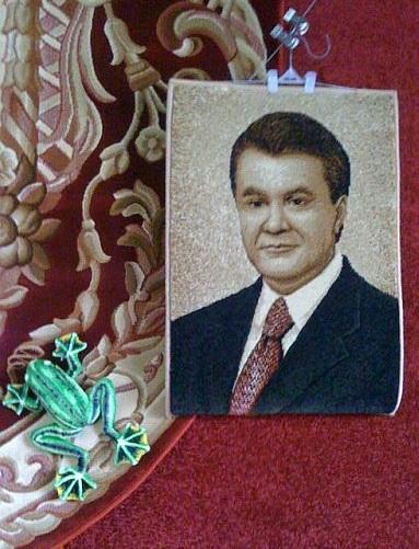 Один день из жизни В. Ф. Януковича в картинках :) 000873px