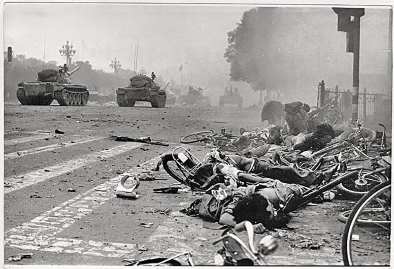 Китай. Площадь Тяньаньмэнь. июнь 1989 год