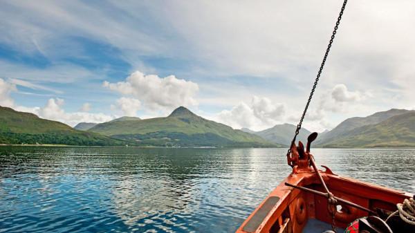 озеро Шотландии