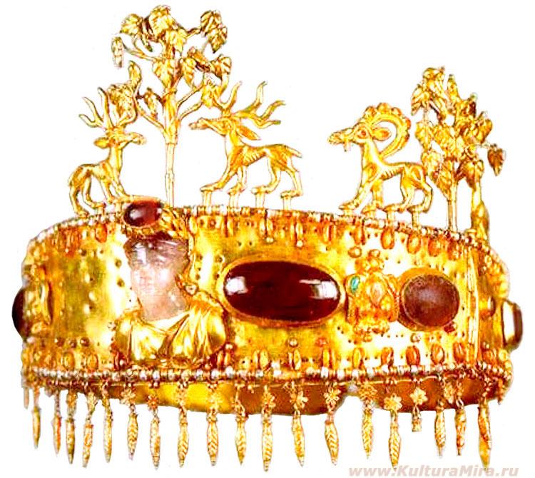 Золотая диадема с подвесками, инкрустированная женской головкой из кварца и гранатами. т.н. Новочеркасский клад