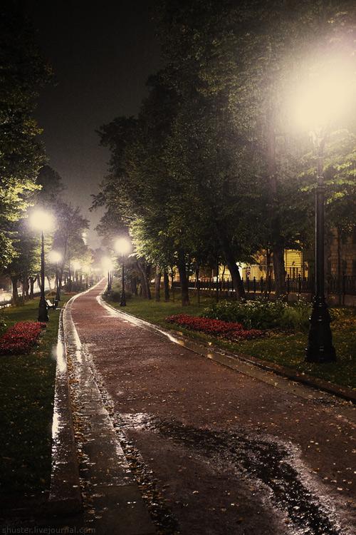Moscow-rain2-150912-sm