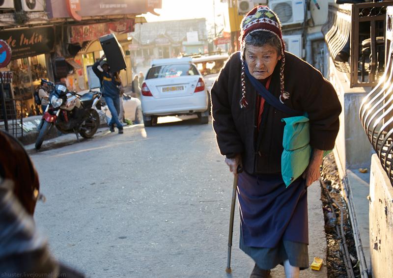 India-Dharamsala-08-28122013-sm