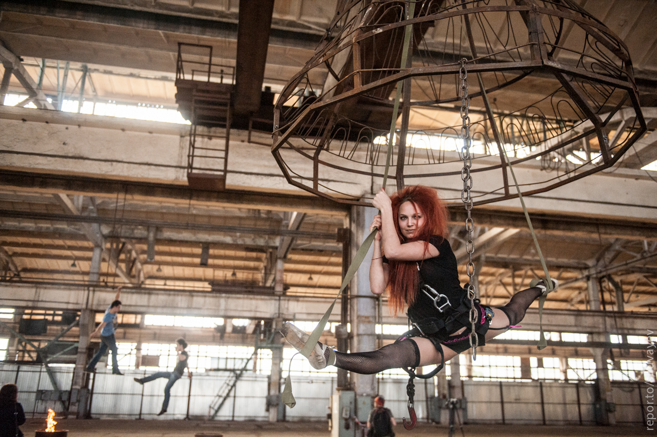 Artists perform during the experimental theatrical and acrobatic session Circulation led by aerial gymnast Anastasia Makeeva and Vladislav Troitsky, curator for GogolFest and experimental theatre Dakh, Kyiv, Ukraine