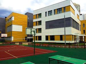 Школа в Тушино снаружи (территория)