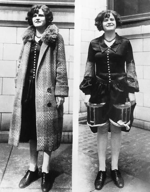 Сентябрь 1928 года. Две жестяные фляжки с крепкими напитками ловко прикреплены к бёдрам дамы..
