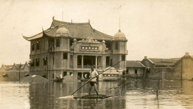 Наводнение в Китае. 1931 год. Погибло до 4 миллионов человек(с). Бедствие считается крупнейшим за всю историю человечества.