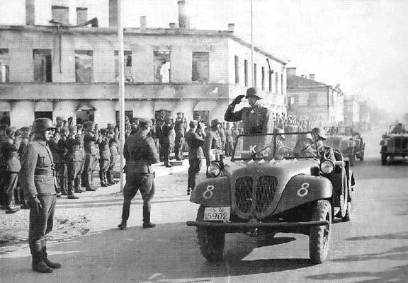 Август-1942.-Маннергейм-на-параде