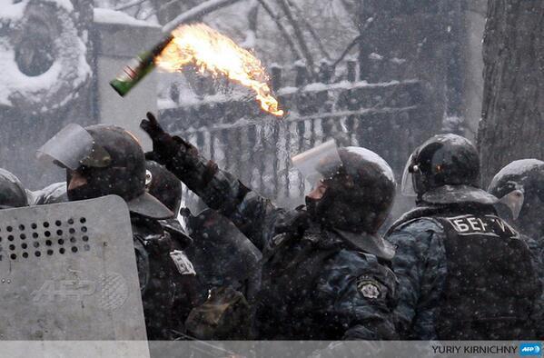 molotov2