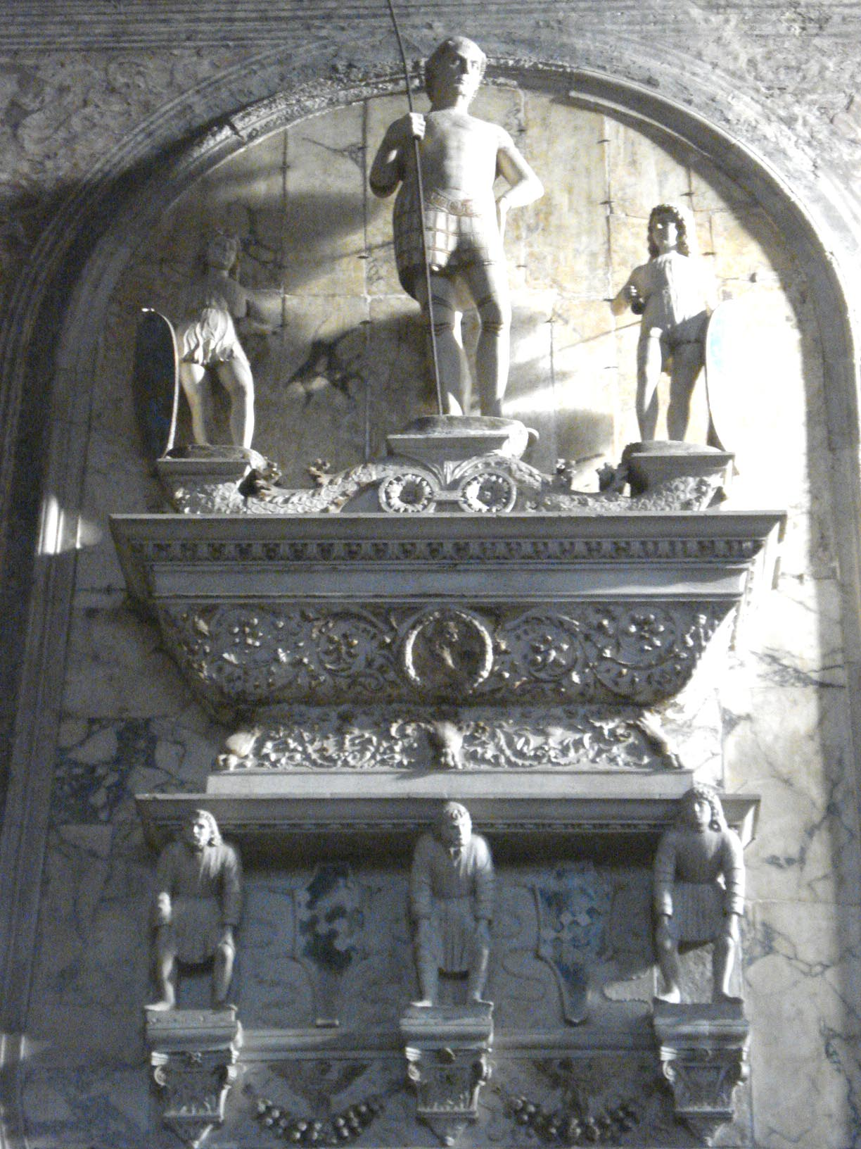 015-памятник Якоро Марчелло