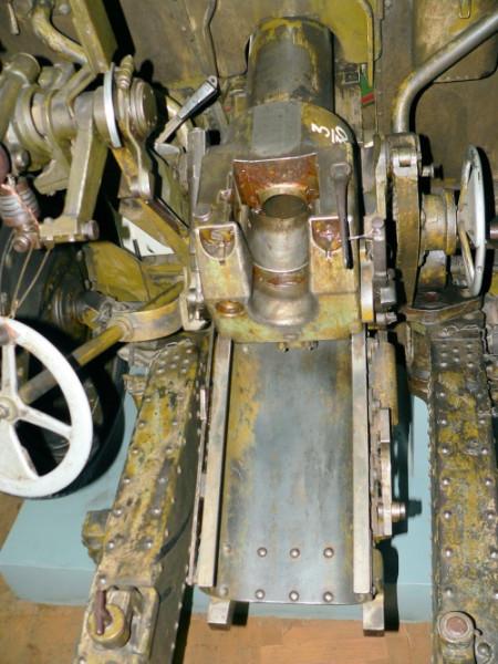 1385131109-76mm_f-22_divisional_gun_mod.1936_041_of_185