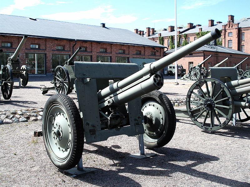 800px-76_2_mm_divisional_gun_M1902-30_L40_2