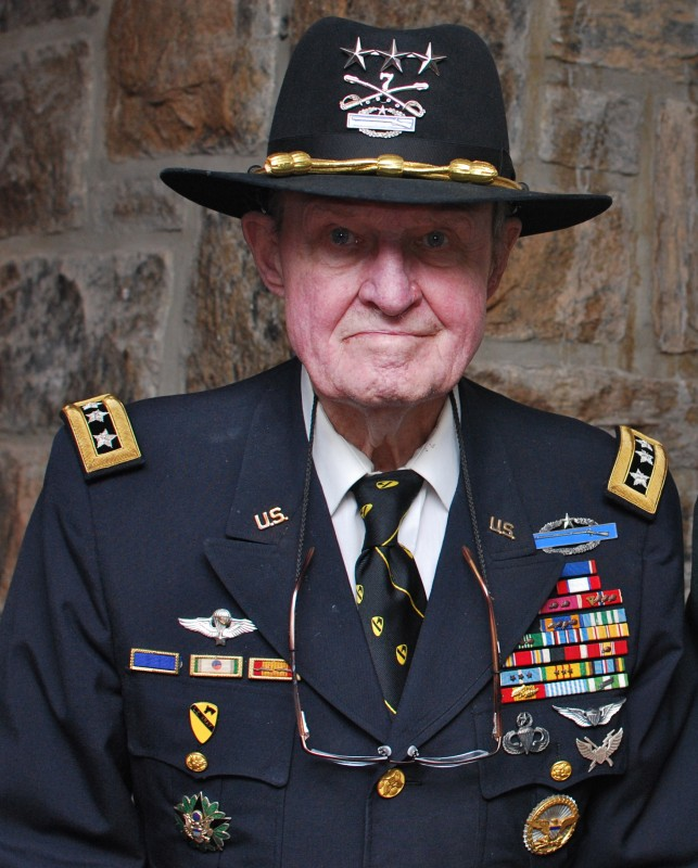 LTG(R)_Hal_Moore_at_West_Point_10_May_2010