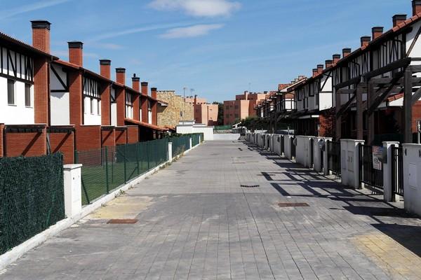 modern-ghost-towns-3