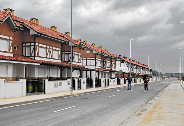 modern-ghost-towns-4