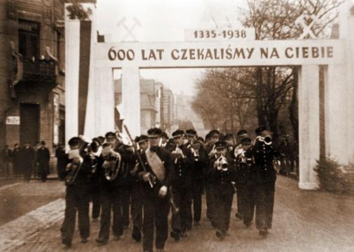 Zaolzie_karwina_1938