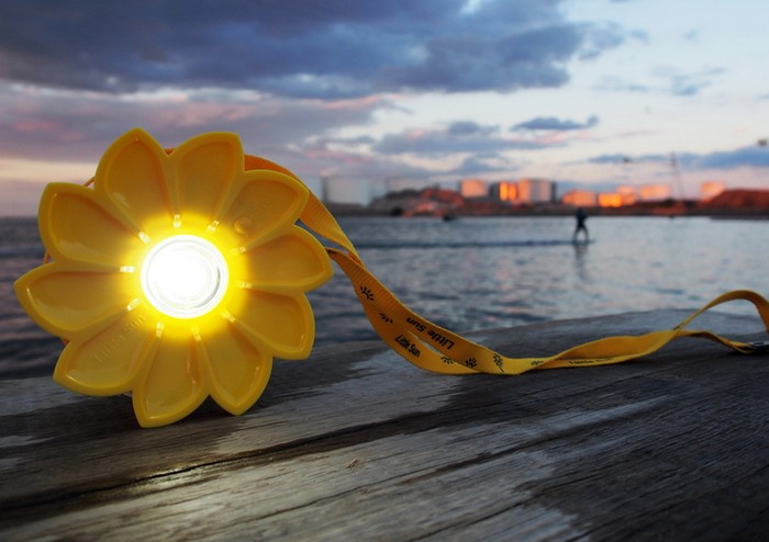 fake-sun-shine-18