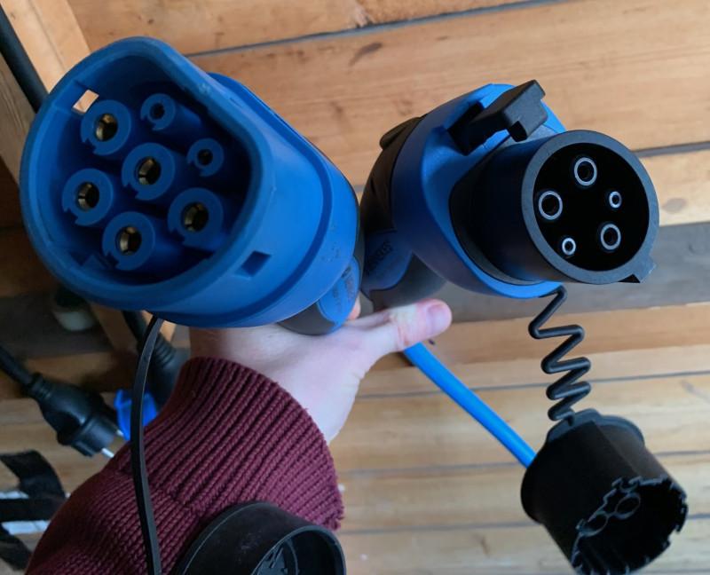 Розетки для моих электромобилей: Type 2 (для Мерса) и Type 1 (для Лифа)