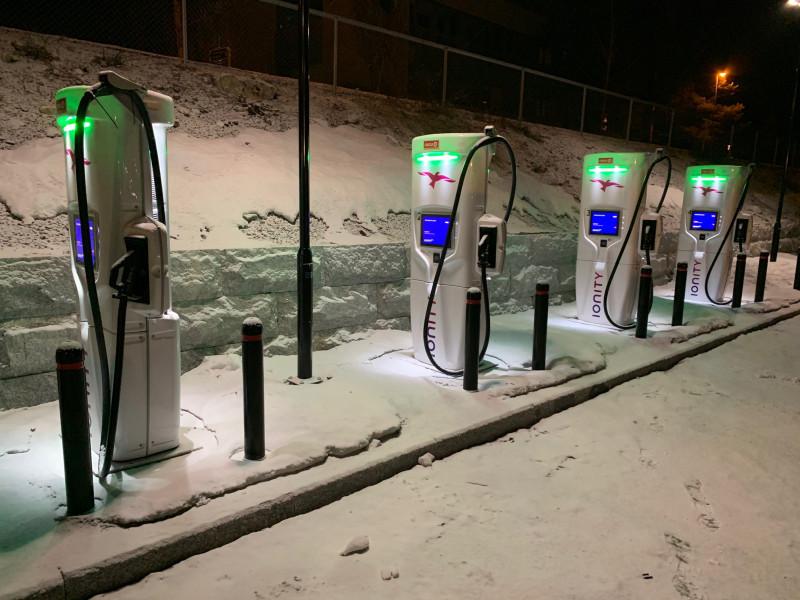Станция зарядки Ionity в городе Гуль в Норвегии