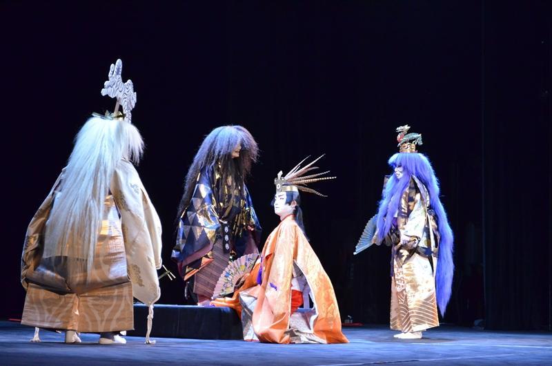 из финальной сцены: Белый Тигр Запада, Простолюдин, Красный Павлин Юга и Дракон Востока