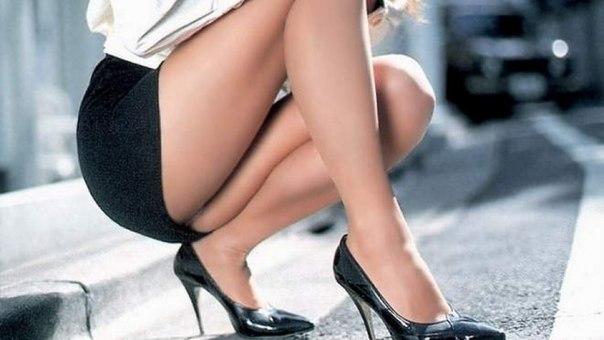 Красивое видео кроткое юбка упрохожей