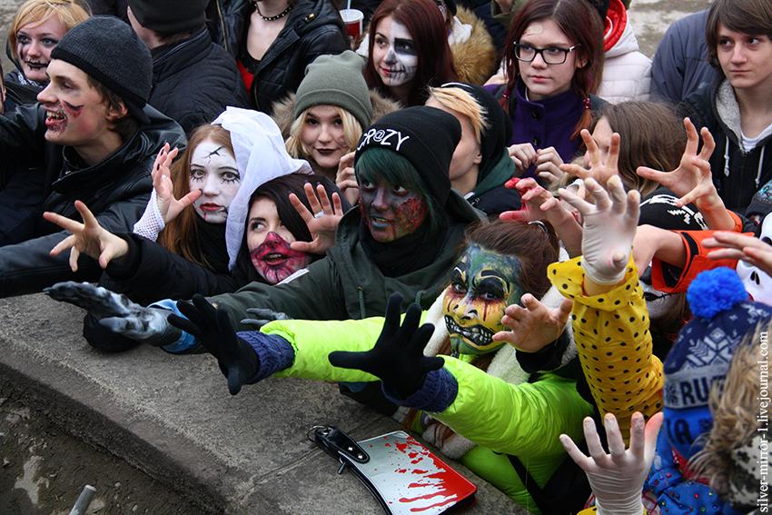 Кадр с зомби парада в Новосибирске, 2016г