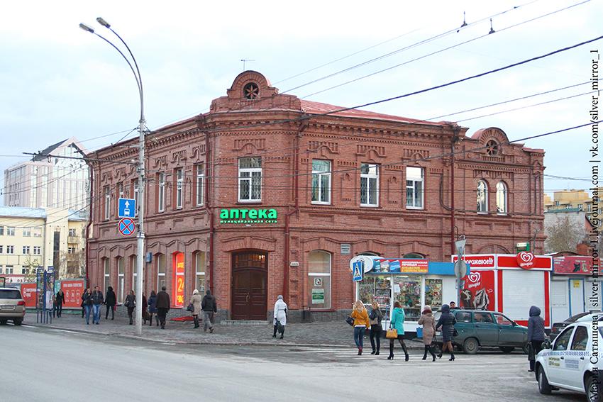 03. Вид с центральной аллеи на Красном проспекте. Фото 2014 года