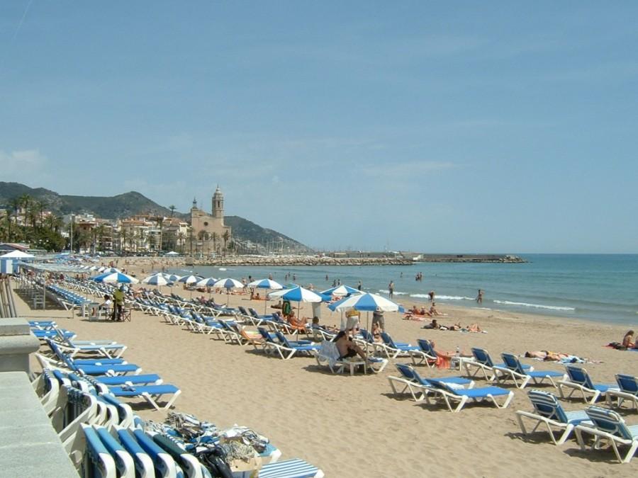 playa_sitges_wikipedia-1024x768