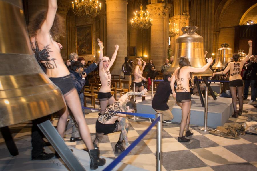 feministas-desnudas-notre-dam-140213