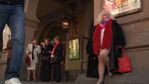 aktrisa-brilliantovaya-ruka-prostitutka