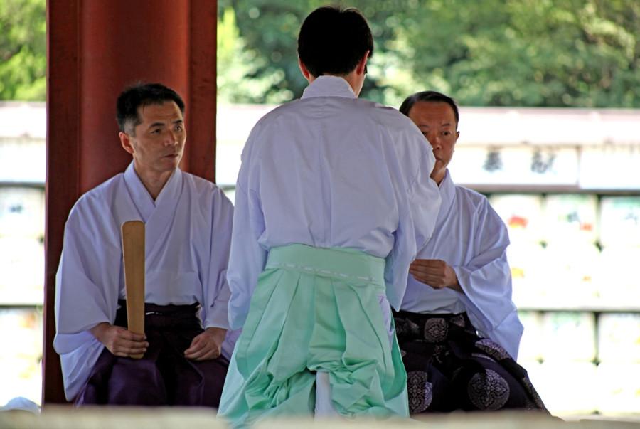 Освящение оружия по-японски.