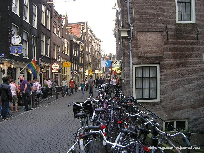 Амстердам, велосипеды - основное средство передвижения