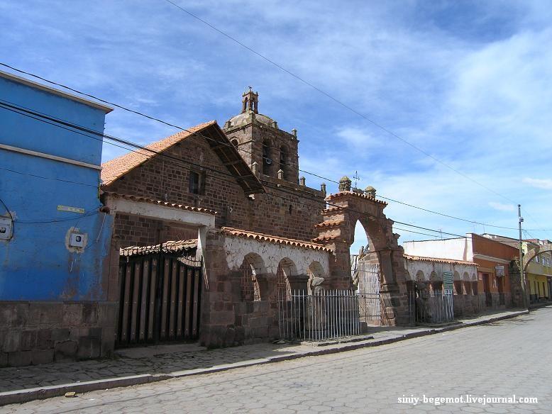 23 Церковь построена из блоков разобранных пирамид