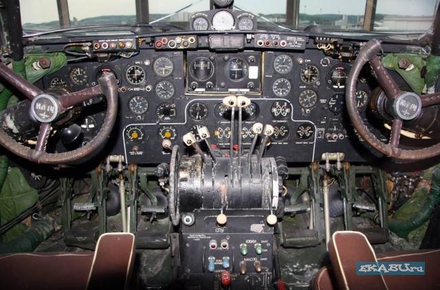 кабина пилотов Ил-14
