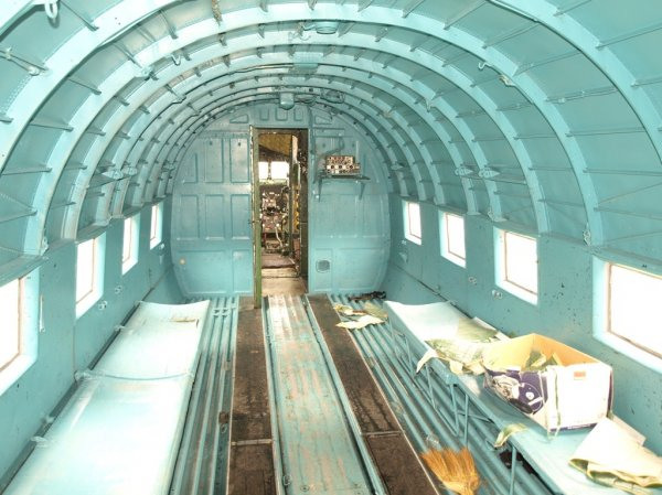 Грузовая кабина Ли-2