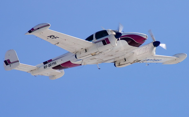 Самолет Л-200  Морава