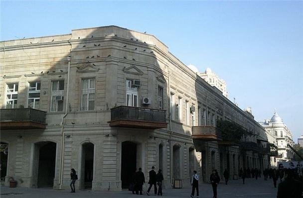 Галерея,в которой находится кинотеатр Вэтэн