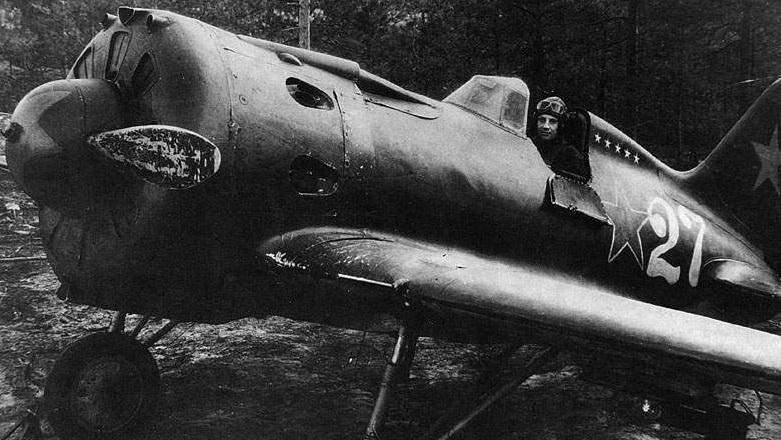 И-16 на фронтовом аэродроме
